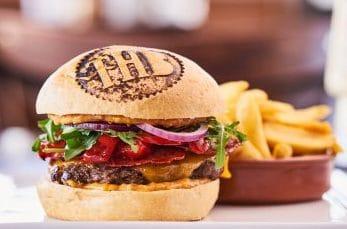 Les burgers Huggy's Bar
